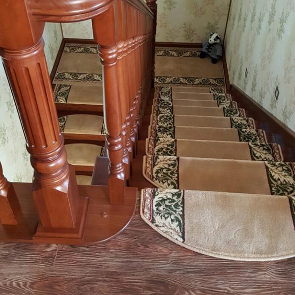 Ковровые накладки на лестницу Венеция бежевый