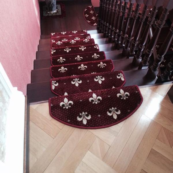 Ковровые накладки на лестницу Лилия бордовый
